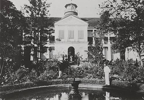 palais-gouverneur-saint-denis.1289053783.jpg