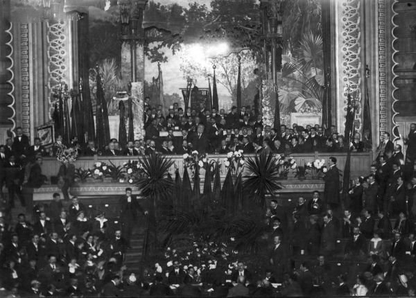 Jaurès prononce son grand discours au Cirque Royal de Bruxelles le 29 juillet 1914 au soir