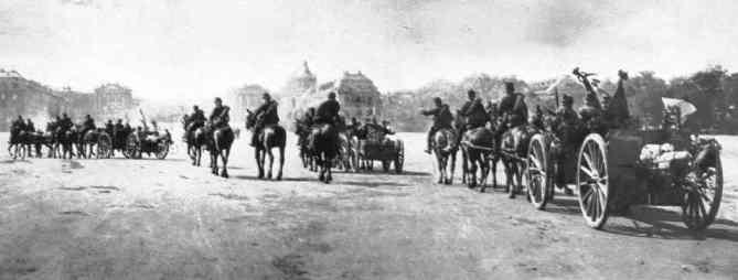 Les troupes à Versailles en 1914